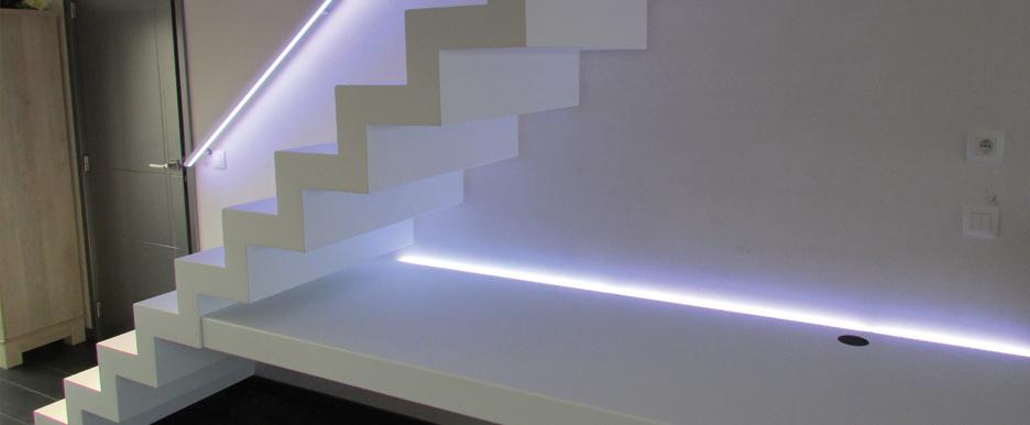 big-white_desk_01.jpg